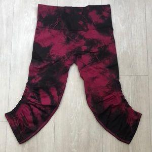 Lululemon Red Tie Dye In the Flow Crops Size 4